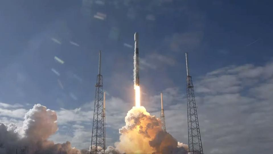 Liftoff of a SpaceX Falcon 9 for the company's fifth Starlink mission.