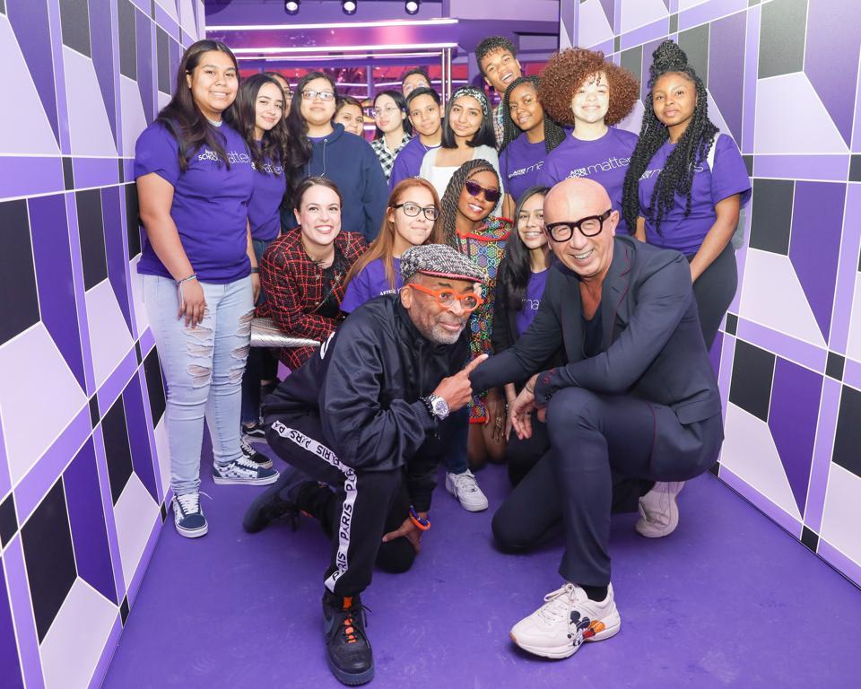 Gucci celebra After School Matters y Braven en la fiesta de lanzamiento de Chicago GG Psychedelic Pin.