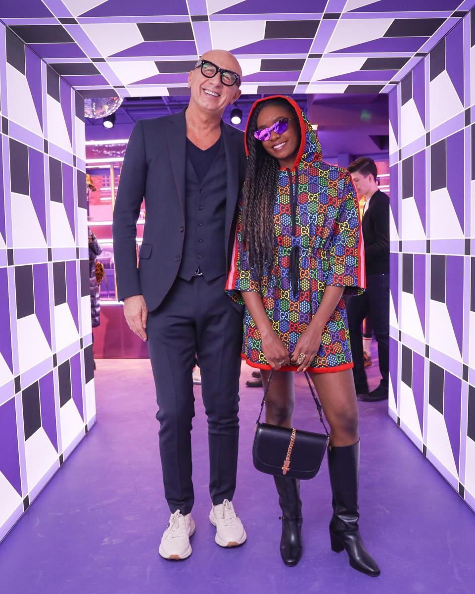 Invitado a la fiesta de lanzamiento, Kiki Layne, con el presidente y CEO de Gucci, Marco Bizzarri.