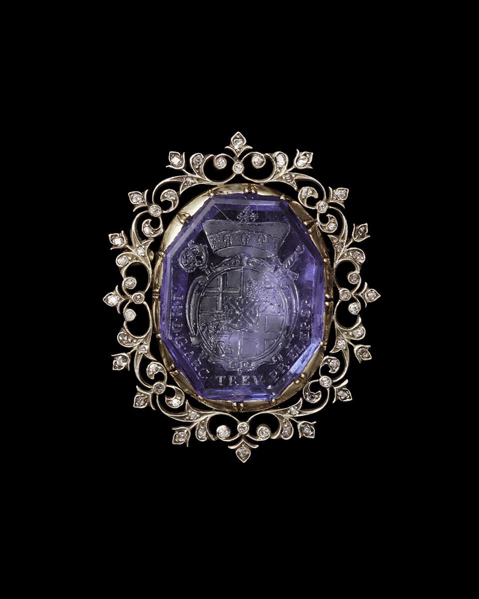 Historic jewels
