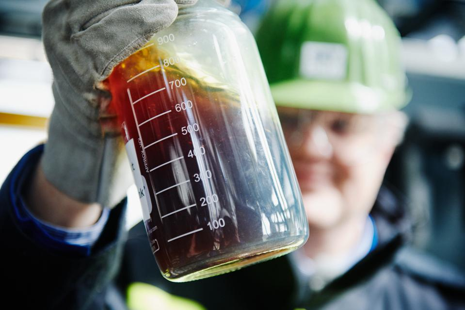 Synthetic crude oil