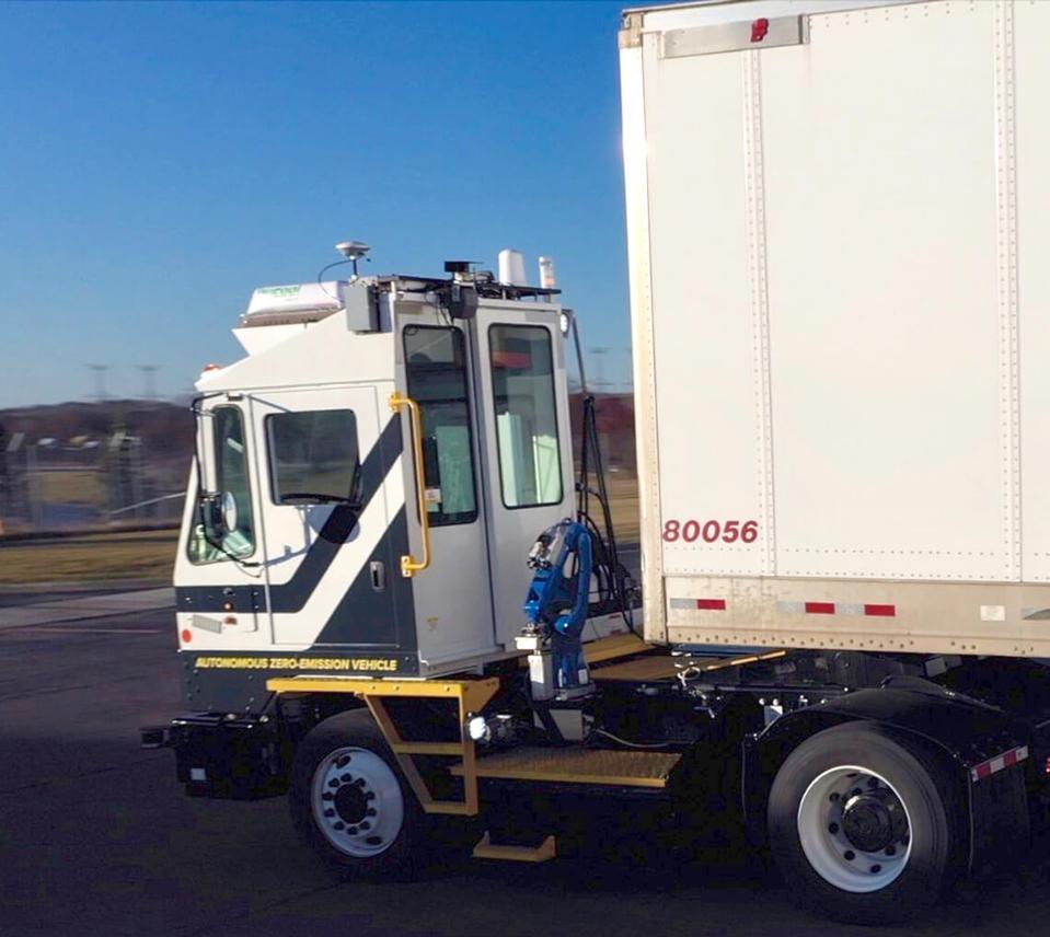 PR-Outrider_autonomous_vehicle_trailer brake lines