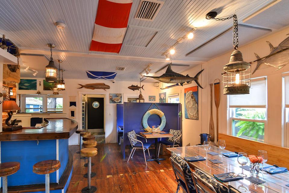 seafood restaurant on Anna Maria Island
