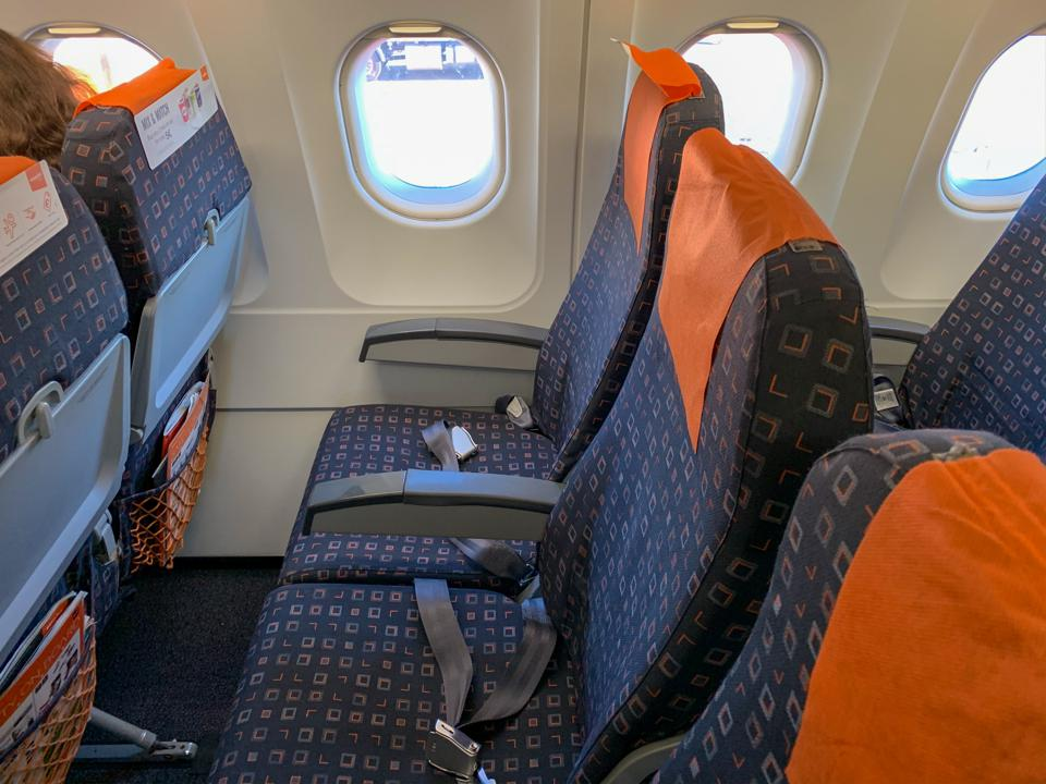 easyJet A319 onboard seating legroom discount low-cost airlines