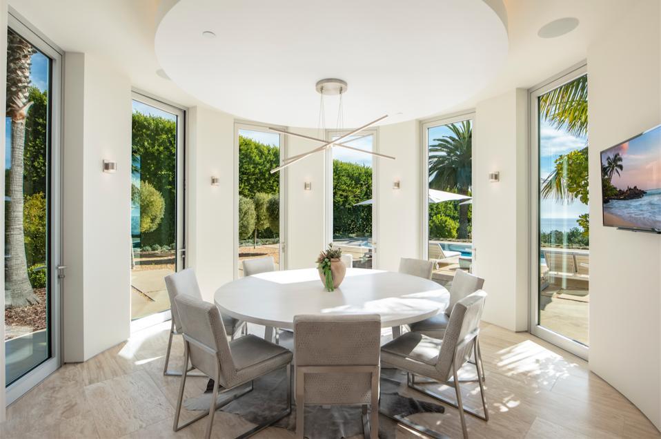Rotunda breakfast room overlooking pool deck