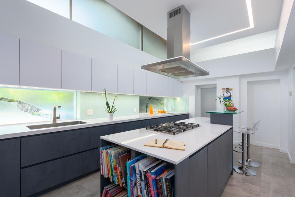 Contemporary chef's kitchen design