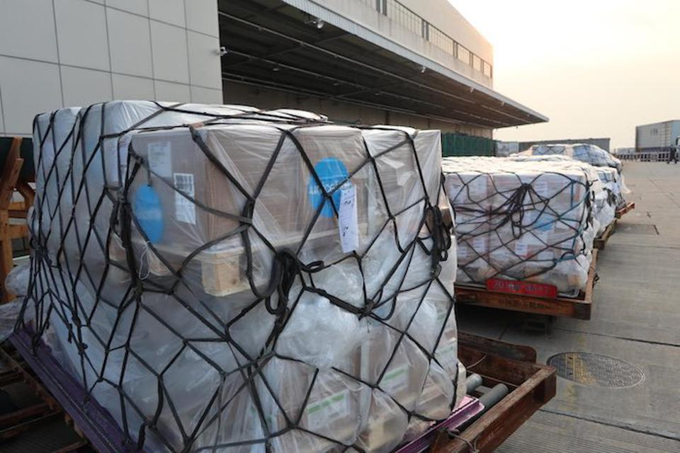 A shipment of UNICEF supplies – 10,861 protective suits, 1,577 surgical masks and 18,371 respiratory masks – arrived in late January at Pudong International Airport in Shanghai to support China's response to the novel coronavirus outbreak.