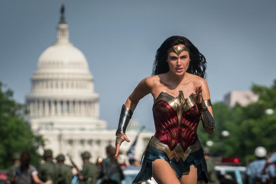 Box Office Warner Bros Can Turn Wonder Woman 1984 Into The Next Star Wars Avatar Or Aquaman