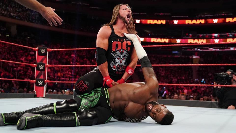 WWE Raw: AJ styles tries to submit Cedric Alexander