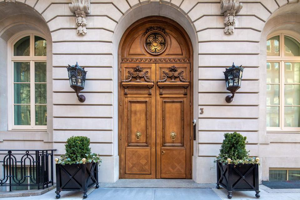 Front doors of the Carhart Mansion