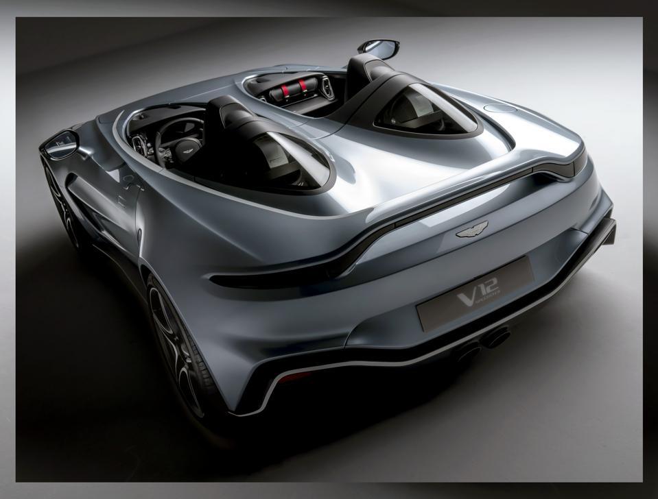 main-aston-martin-v12-speedster