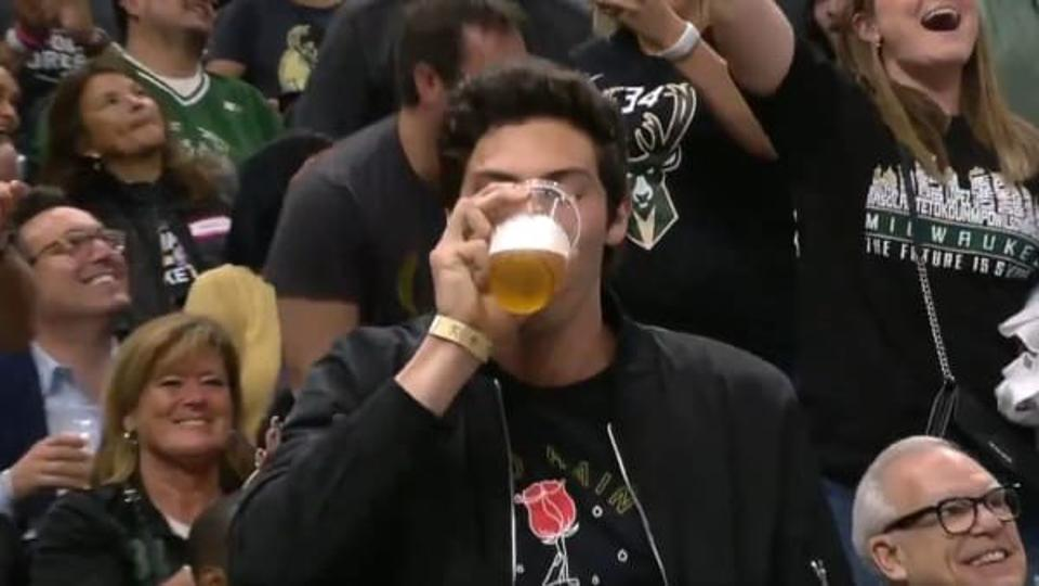 Christian Yelich Milwaukee Bucks Brewers Giannis Antetkounmpo Aaron Rodgers