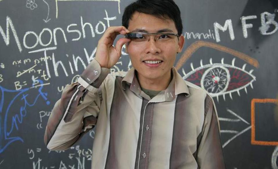 Headshot of Tom Chi