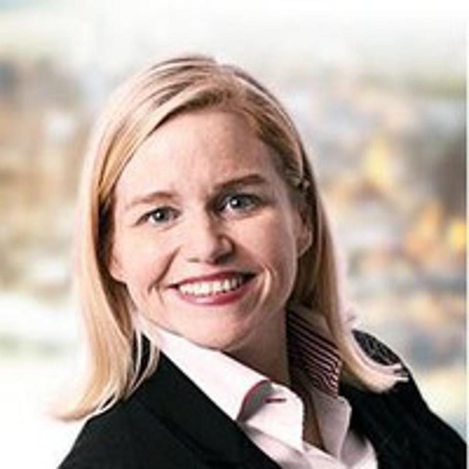 Pink Petro founder and CEO Katie Mehnert headshot.