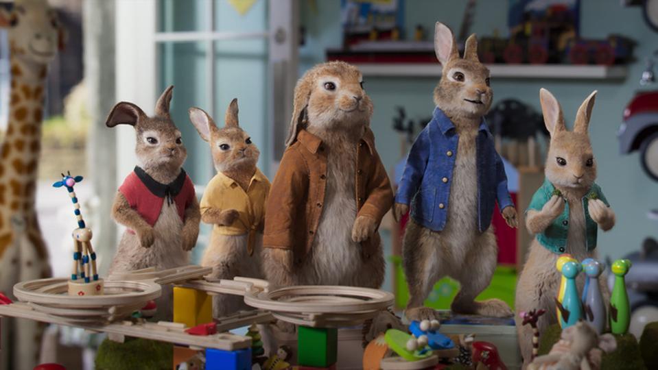 Mopsy (Elizabeth Debicki), Flopsy (Margot Robbie),  Benjamin (Colin Moody), Peter Rabbit (James Corden) and Cottontail (Aimee Horneg) in Columbia Pictures' PETER RABBIT™ 2: THE RUNAWY.
