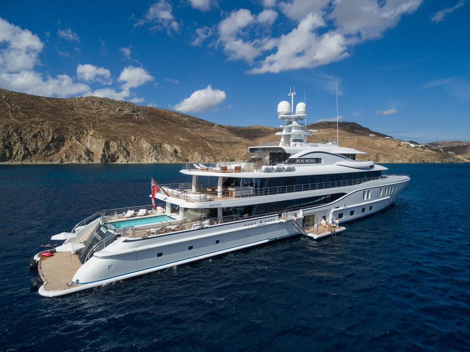The Amels 242 PLVS VLTRA will headline the upcoming Superyacht Show Palm Beach.