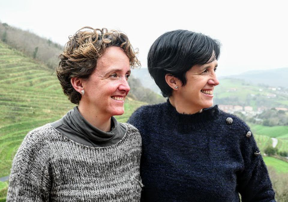 The two female winemakers at Talai Berri Txakolinay, Itziar and Ondit