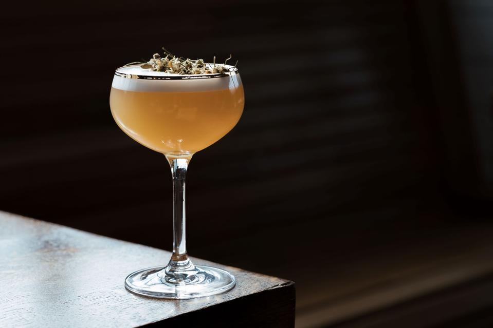 A frothy whiskey sour