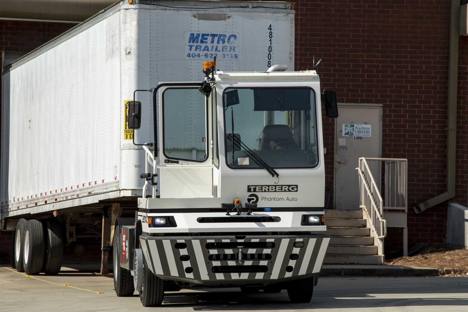 Phantom Auto Yard Truck Towing