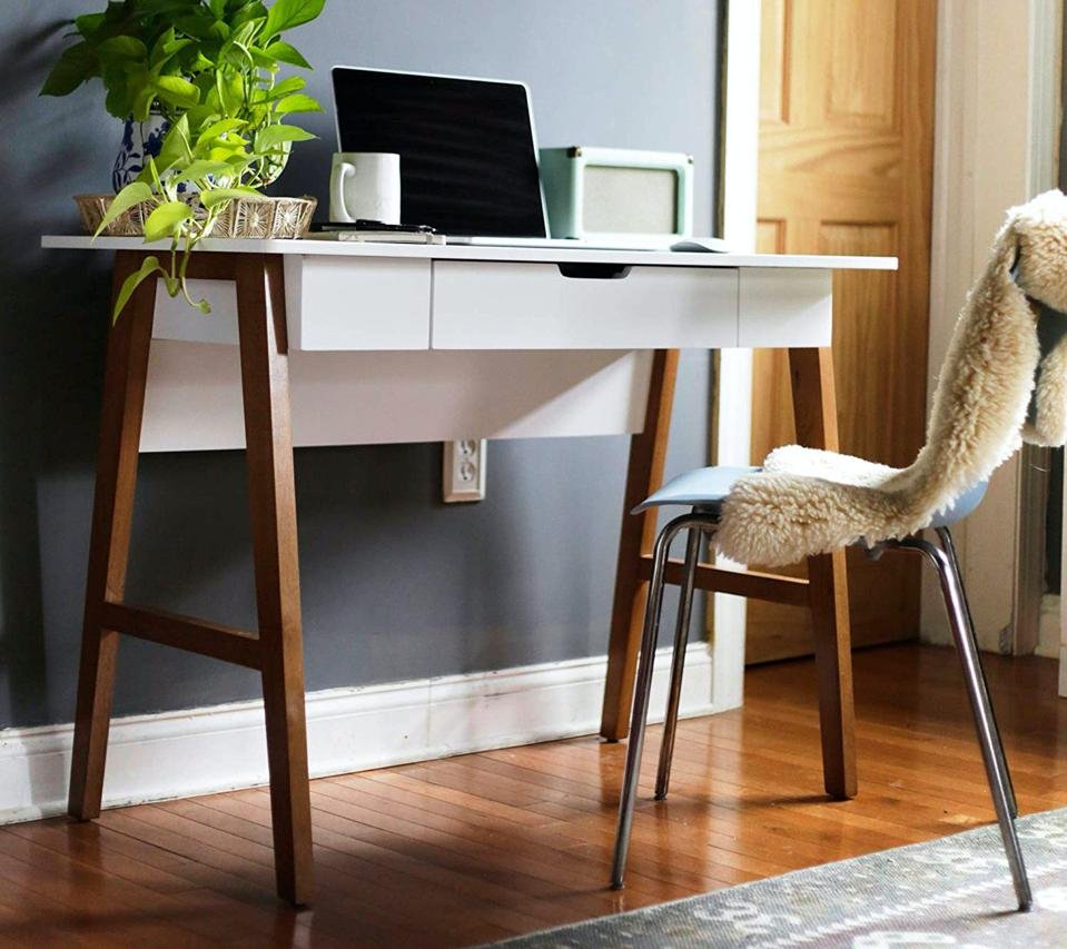 Best Desks For Small Apartments