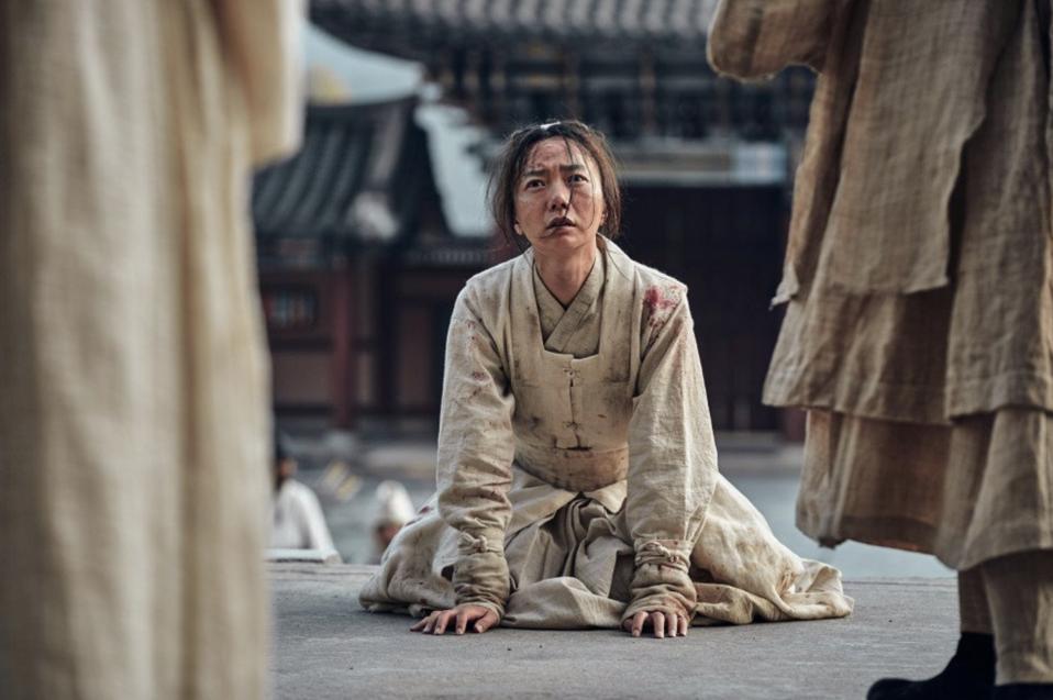Bae Doona plays dedicated physician Seo-bi in the zombie drama 'Kingdom.'
