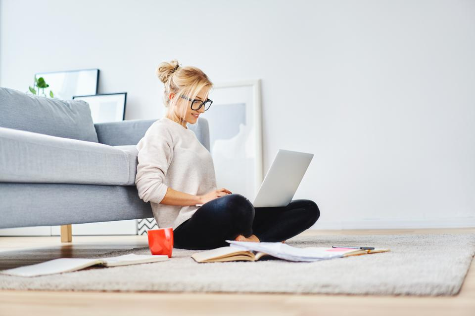 Freelancing in a market downturn? Keep the gigs you have and land new ones