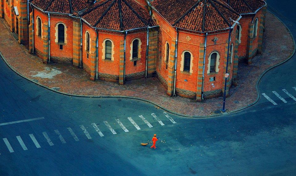 Ho Chi Minh City street sweeper