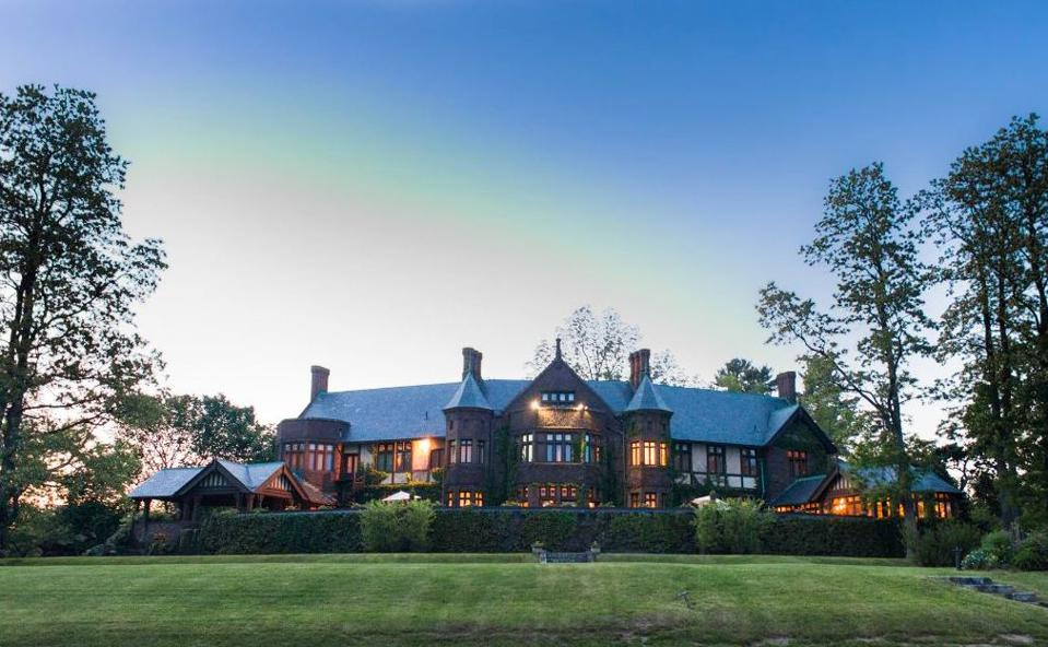 L'Auberge de Sedona, Twin Farms, Post Ranch Inn, The Inn at Dos Brisas, Blantyre, Blackberry Mountain, Holland Peak Ranch, Canoe Bay, Shou Sugi Ban House, The Inn at Little Washington