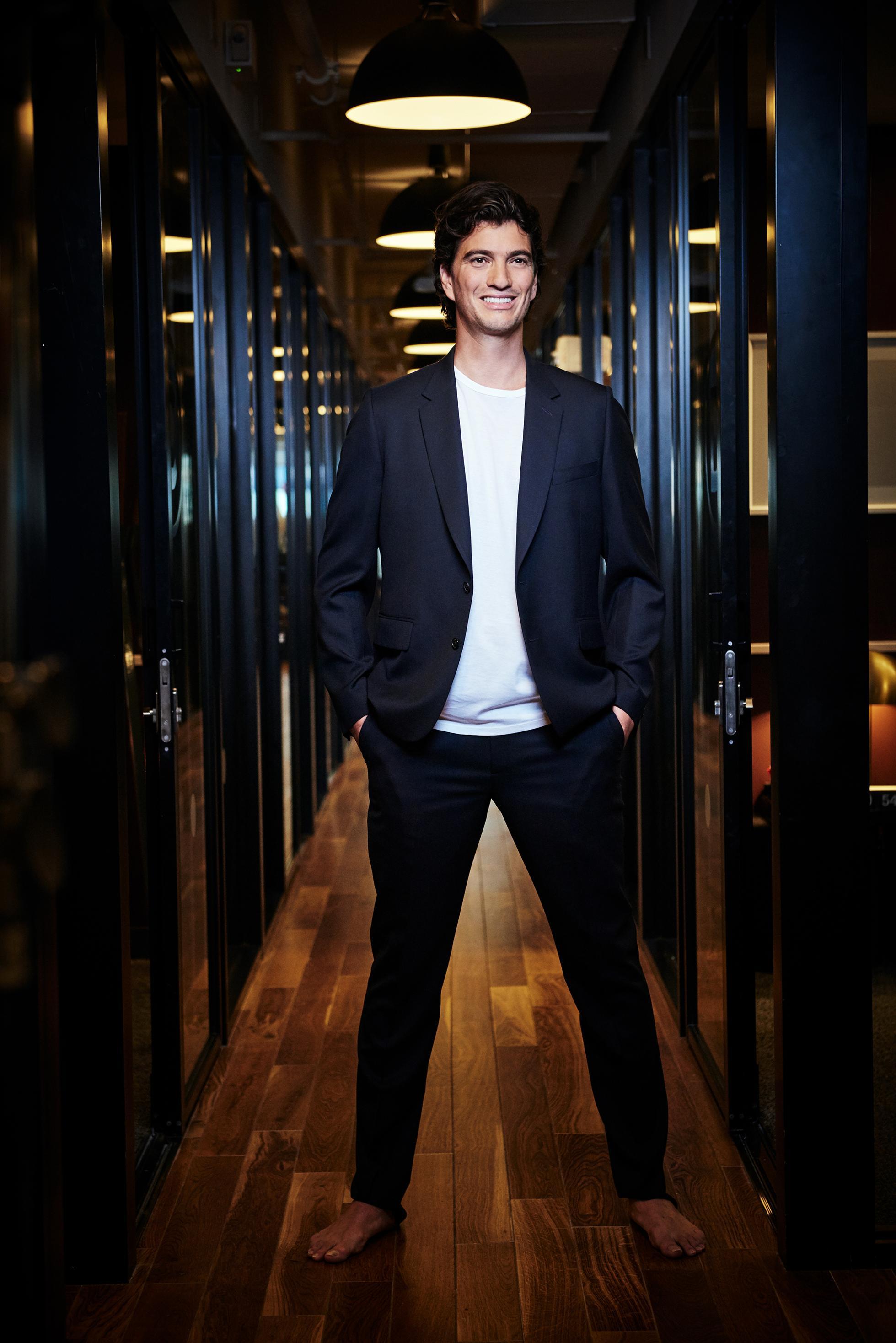 WeWork, Adam Neumann, Softbank