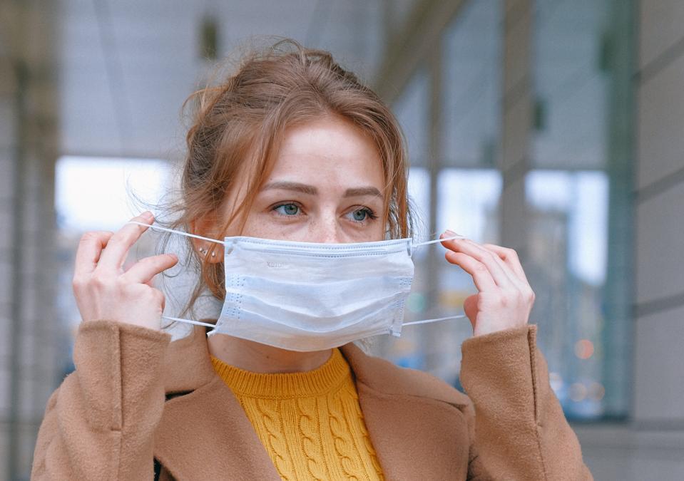woman-wearing-face-mask-3902882