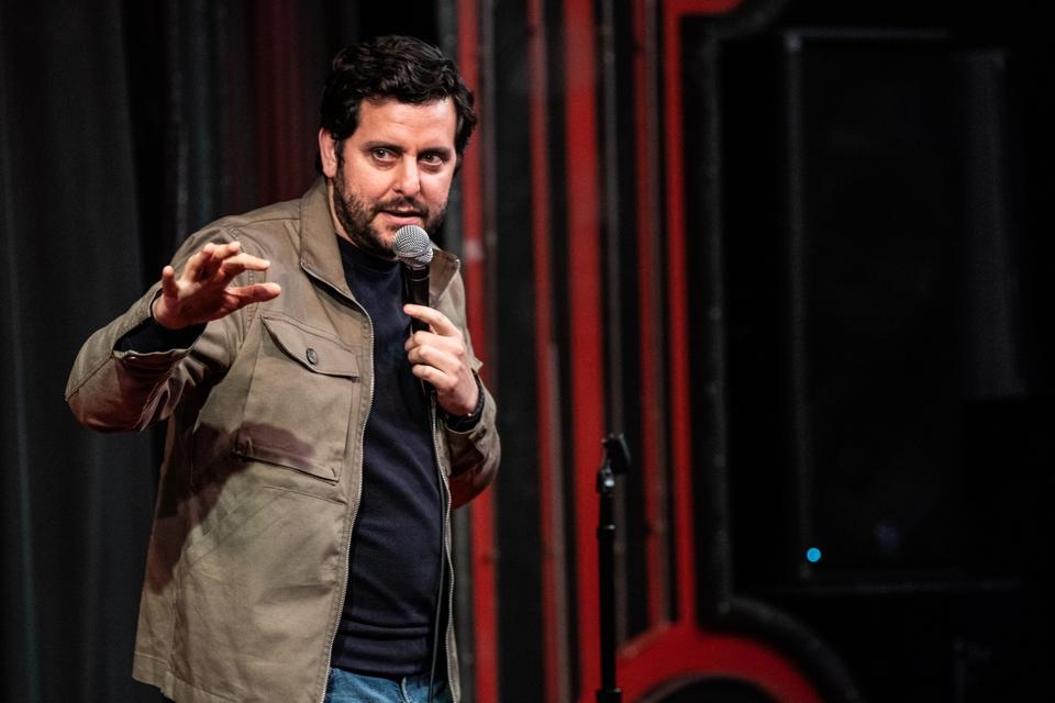 A Virtual Comedic Experience Streaming The Jokes To You