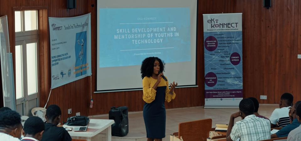 Amanda Obidike addressing university students at the invitation of the West and Central African Research and Education Network (WACREN)