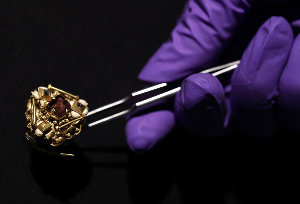 The late medieval gold cluster brooch is now in the hands of experts at London's Victoria & Albert Museum.