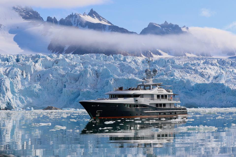 Jonathan Rothberg is working on a Coronavirus and owns a 180-foot Amels Superyacht with private office and lab onboard.