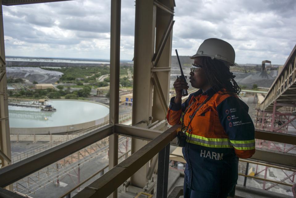 Female diamond mining professionals