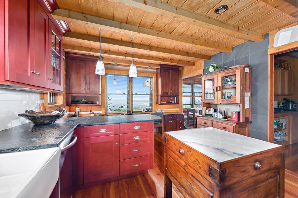 Cabin 1's updated kitchen