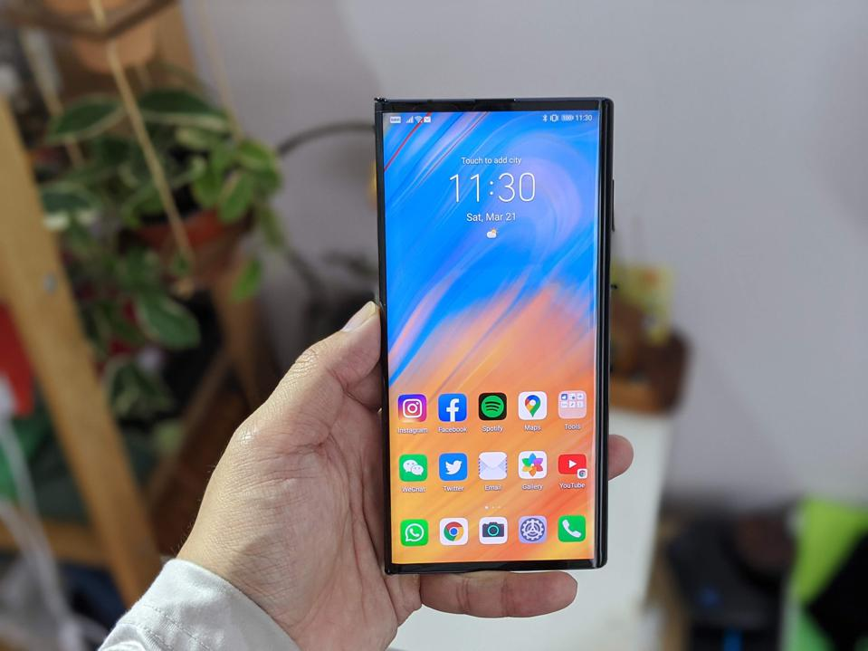 Facebook, Instagram, Spotify, Google Maps, Twitter, all work fine on the Huawei Mate XS