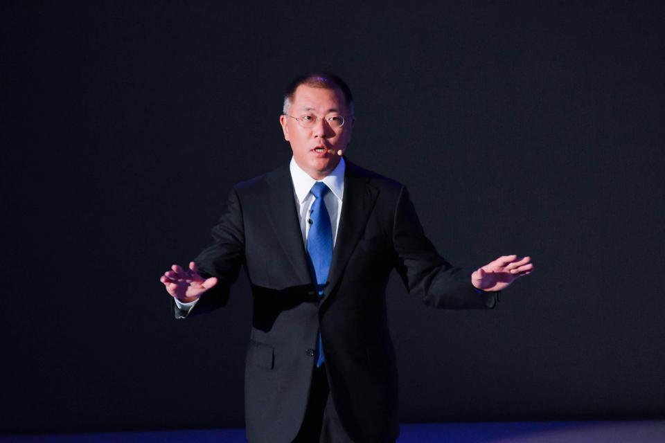 Chung Eui-sun speaks during a press conference.