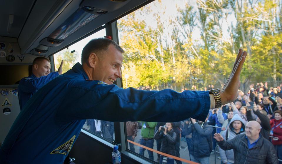Expedition 57 Flight Engineer Nick Hague and Flight Engineer Alexey Ovchinin