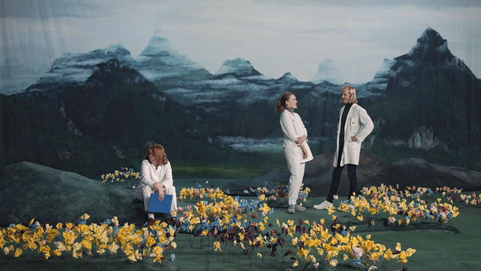 Ragnar Kjartansson Figures in Landscape (Sunday) , 2018 Single - channel video Duration: 24 hours
