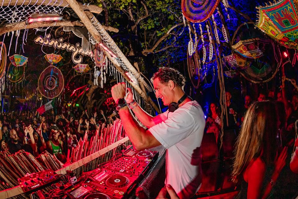 Rony Seikaly performing at BPM Festival in Costa Rica.