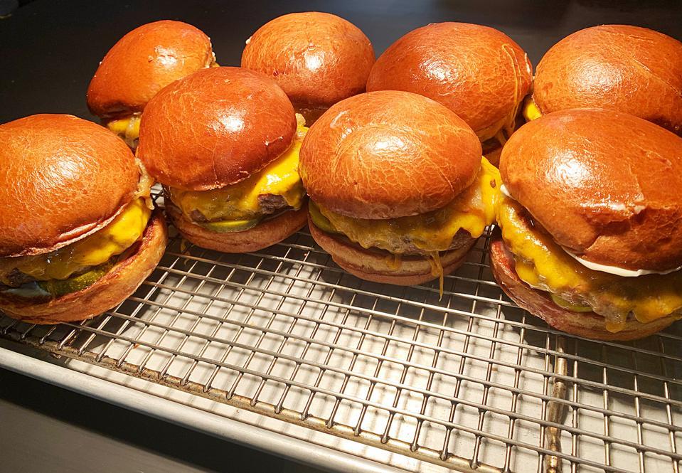 Acadia Chicago Burger Takeout Delivery Pickup Michelin Star Coronavirus COVID-19 Hamburger