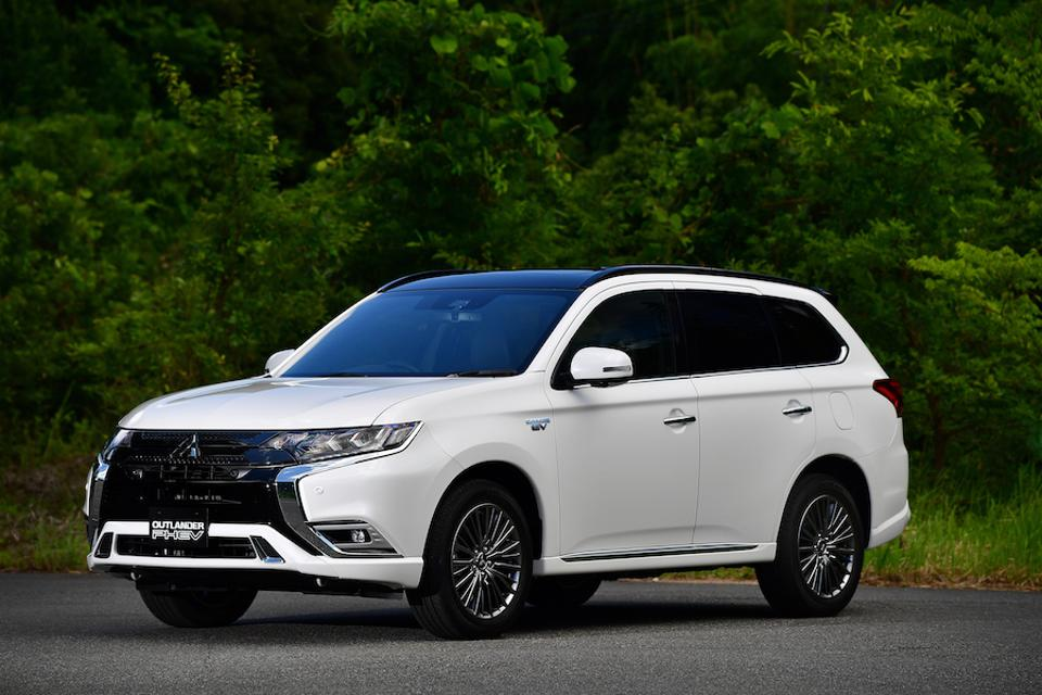 The Mitsubishi Outlander PHEV features portable AC outlets.