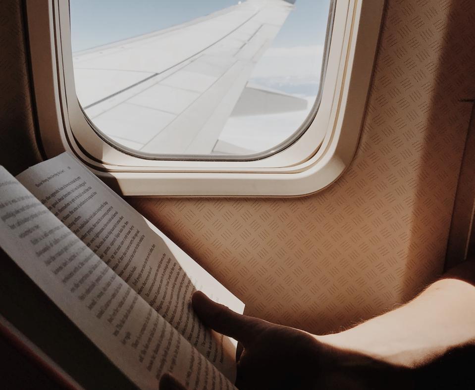 book plane