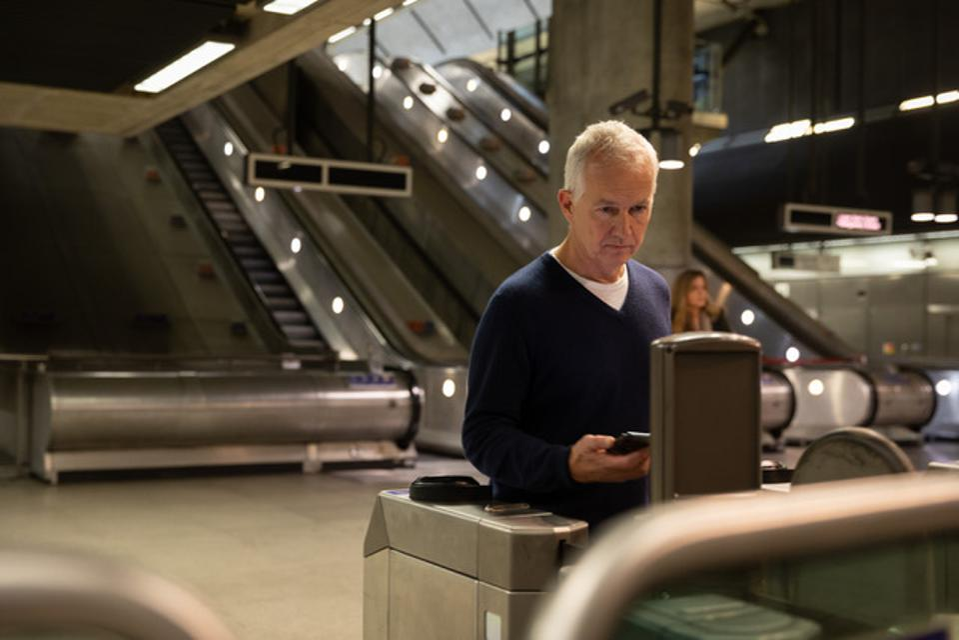 Apple Pay Express Transit používaný v Londýně