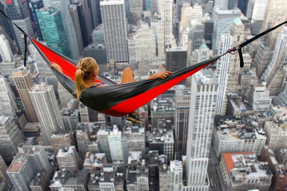 4 ways ambitious people are absolutely not wasting this time