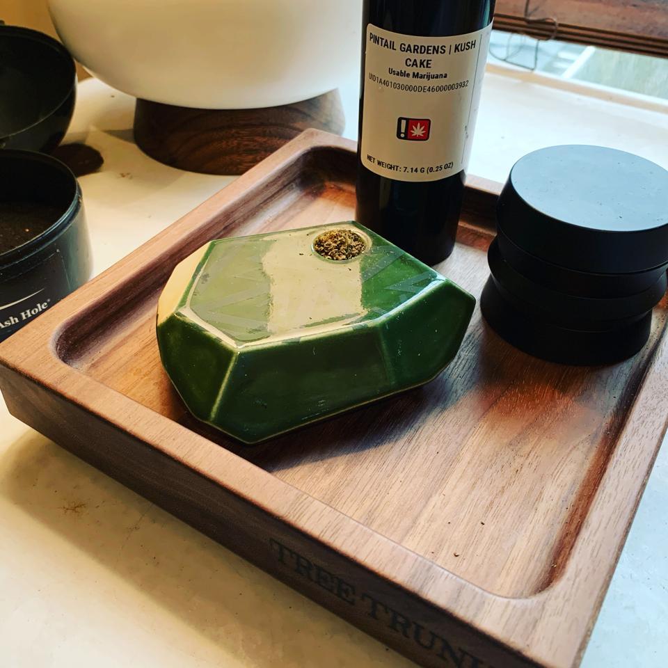 Viride/Stonedware Pipe, Pintail Gardens/Kush Cake/HOJ Grinder and the handmade Tree Trunk Rolling Tray.