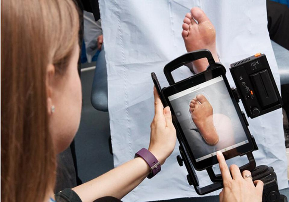 Enabled by Oracle high-performance computing,  FootSnap AI can automatically identify diabetic foot ulcers and associated pathologies using deep learning.
