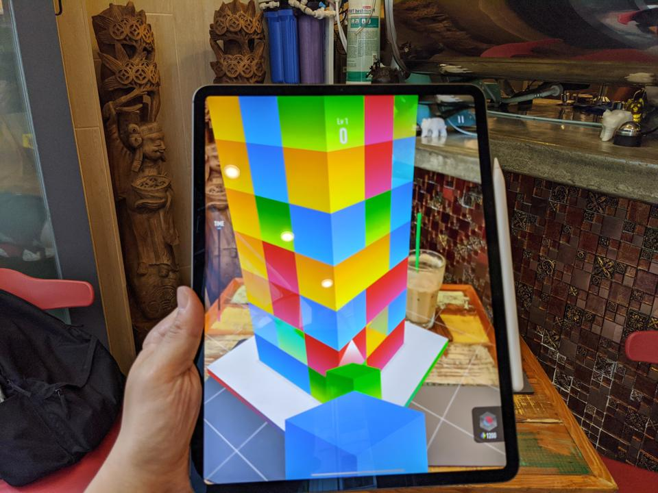 Playing the puzzle game AR Blast on the iPad Pro 2020.
