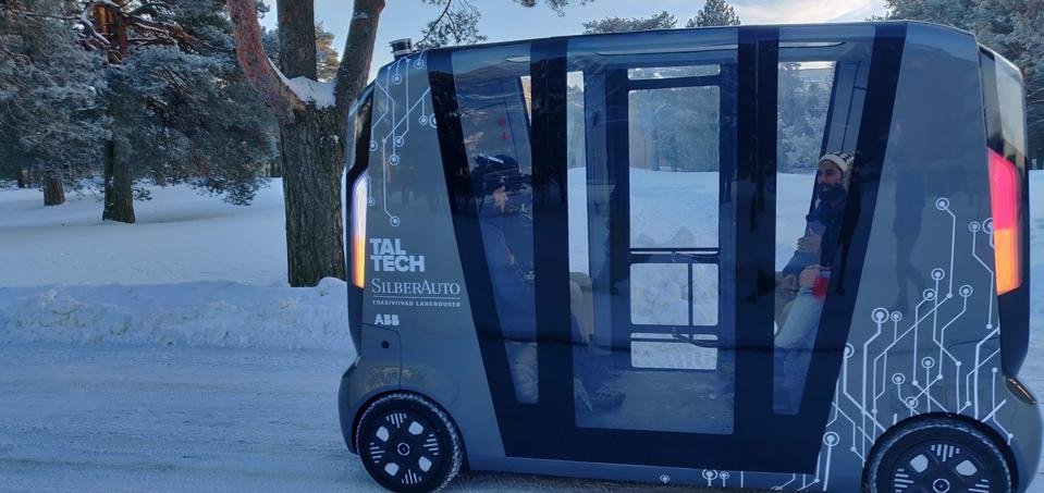 Picture of Taltech AV Shuttle in snow